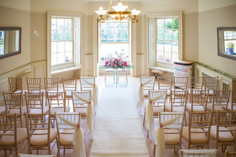 Lakeview Lounge Ceremony - Trebor Photography
