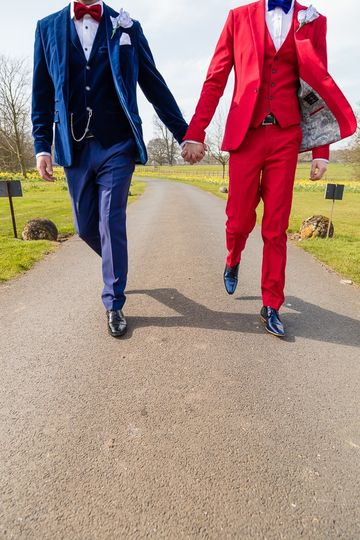 Holding hands - Martin James Photography & Videography