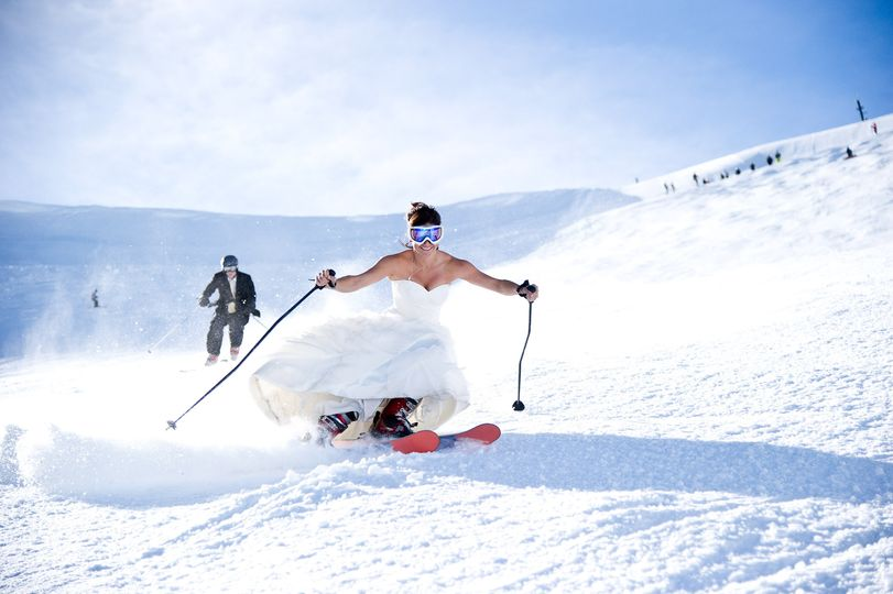 Bride skiing - Martin James Photography & Videography