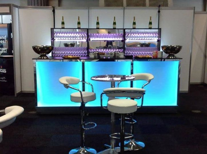 mobile bar hire 02 4 36952