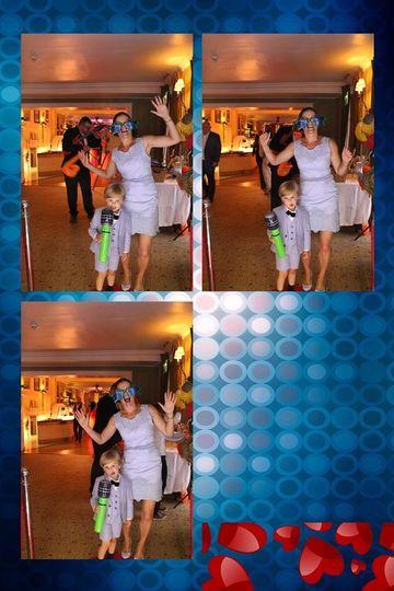 Photo Booths Chic Magic Mirrors 4
