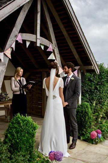 Kingscote Barn outdoor ceremon