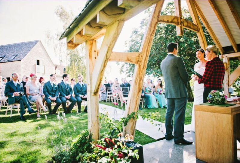 Hyde Barn outdoor wedding ceremony