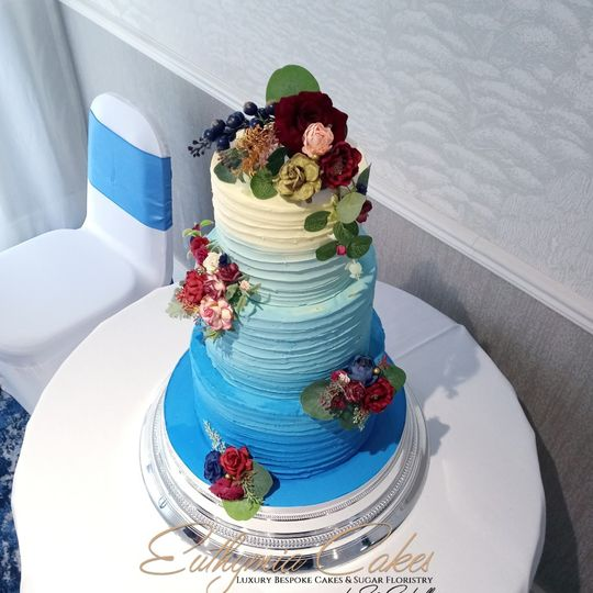 Blue ombre buttercream cake