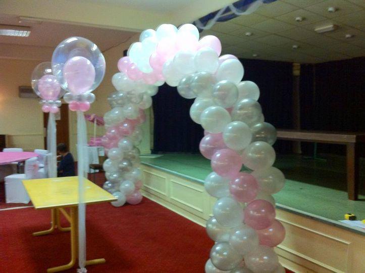 Pink & white spiral arch