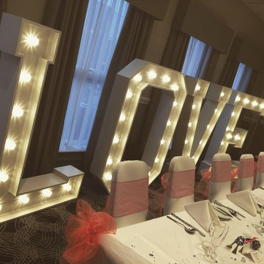 Love letters behind top table