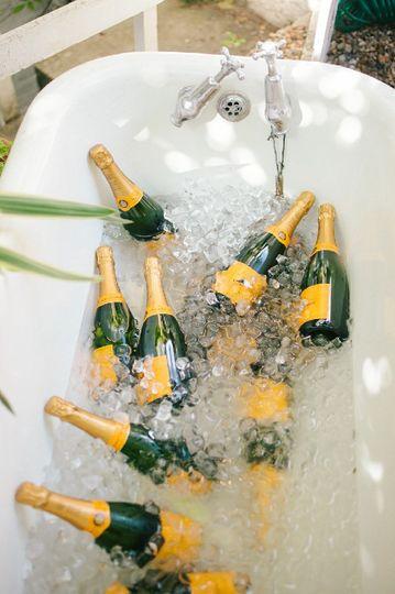 Champagne in Bathtub - Wedding