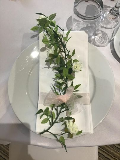 Floral Serviette tie