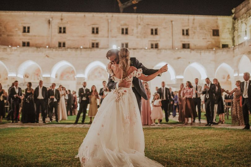 THE WEDDING ISSUE-Destination Weddings in Italy