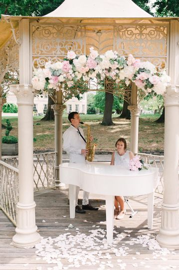 Wedding duo pianist and saxophonist