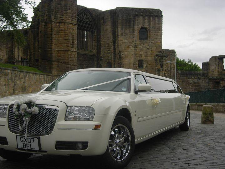 Sleek Luxurious 8 seater limos