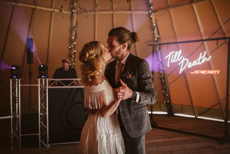 wedding thumbnail home page 4 277365 162029382280581