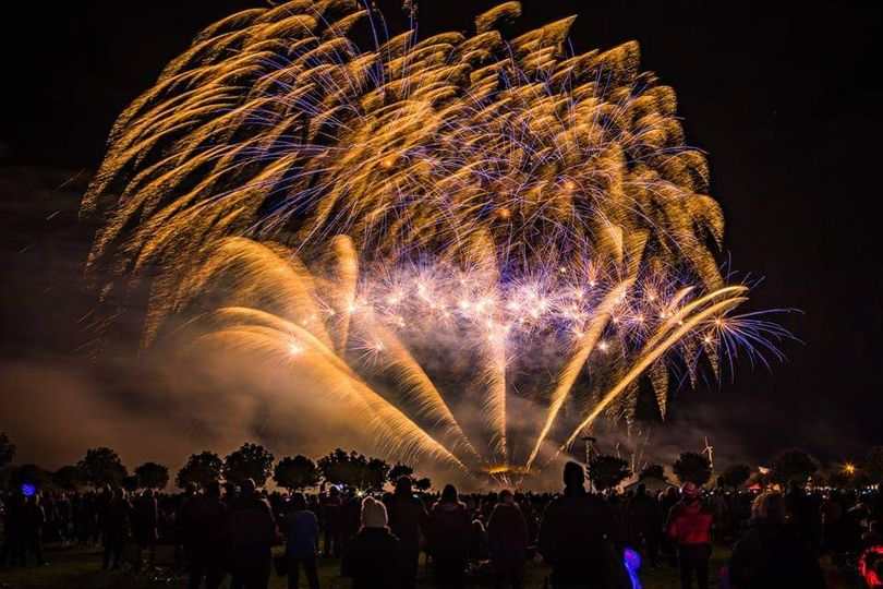 Pyromusical wedding fireworks