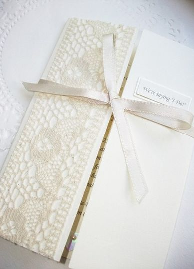 Vintage lace invite