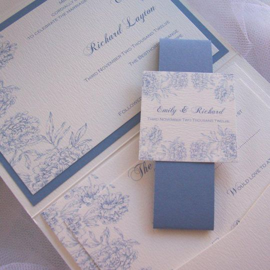 This design is fully personalised to you and can incorporate your wedding colours and theme