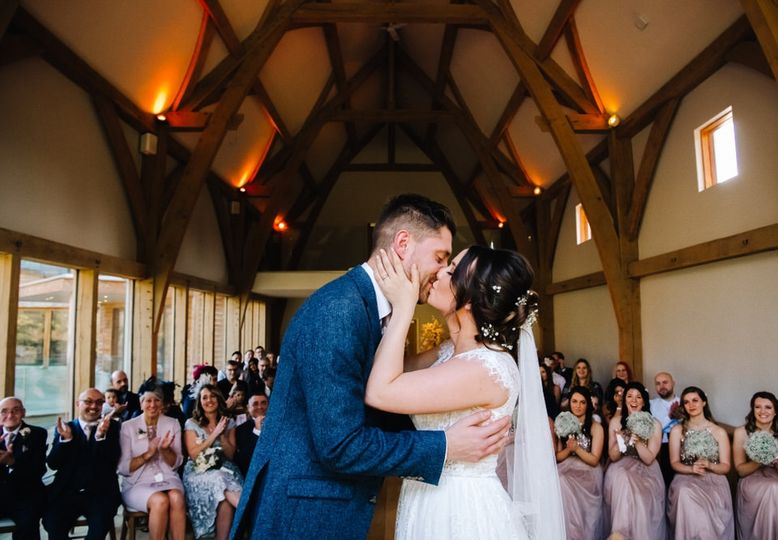 First kiss as a married couple - Rose and Rainbow Photography