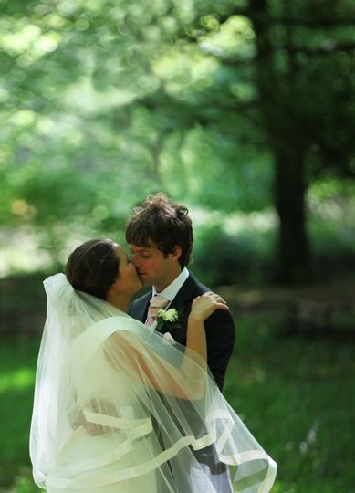 Romantic kiss - Parkwin Photography