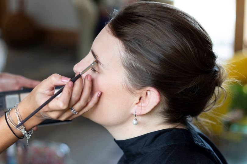 Beauty, Hair & Make Up Elligance Hair & Makeup  35
