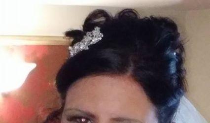 Mobile hair by Lynn