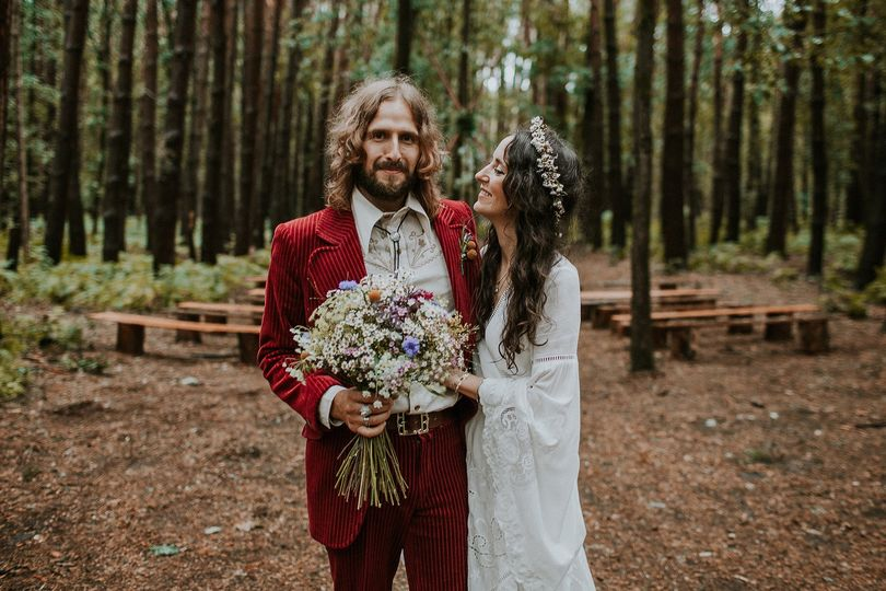 Jenn and Si - Whimsical Wonderland Weddings (https://gregmilnerphotography.co.uk/weddings/)