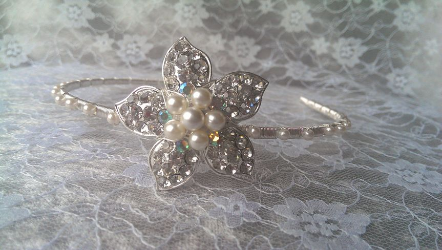 Flower side tiara