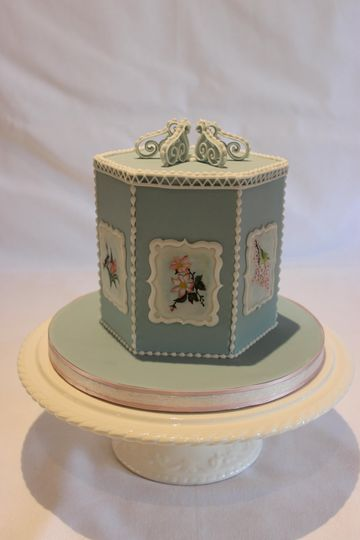 Floral cake art