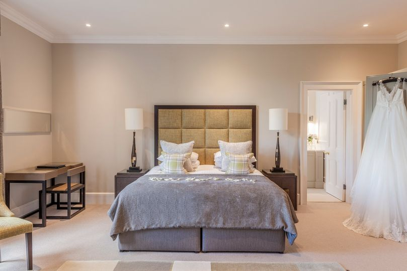 Oatlands Park Hotel Bridal Suite