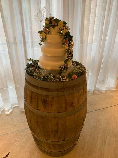 Cake barrel