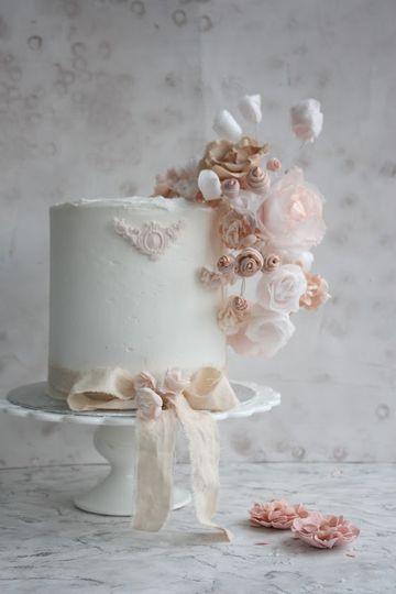 Rococco Blush single tier cake
