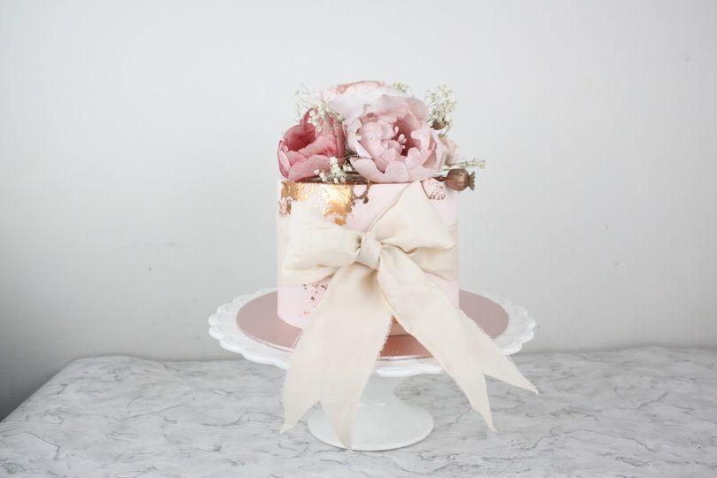 Bows single tier cake