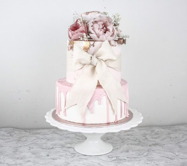 Bows two tier cake