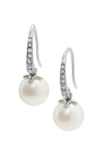 Maddies pearl earrings