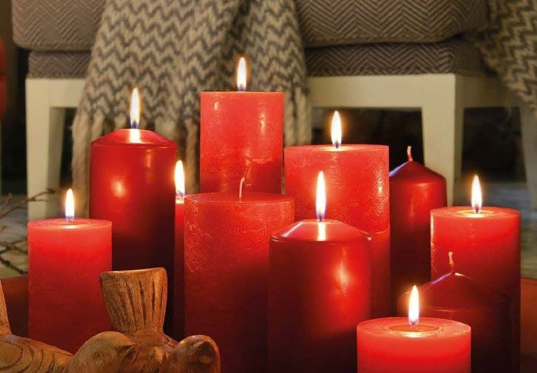 Red Pillar Candles - ideal for winter weddings