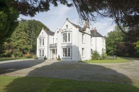 Pitcalzean House