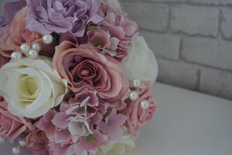 Mauve and pink bridal bouquet