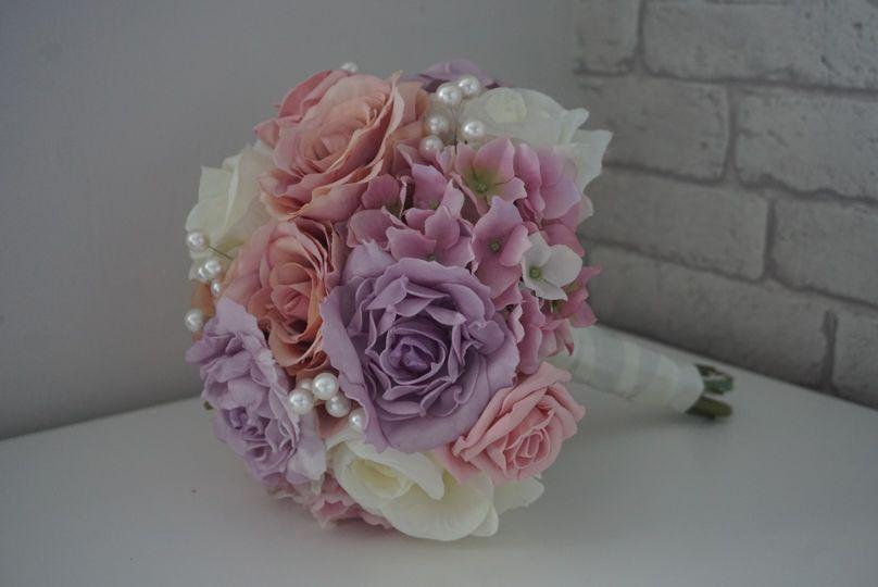 Mauve, pink & ivory bouquet
