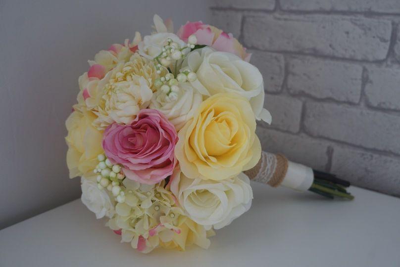 Pink & Lemon bridal bouquet