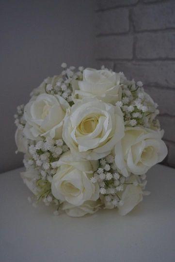 Ivory rose & gypsophila
