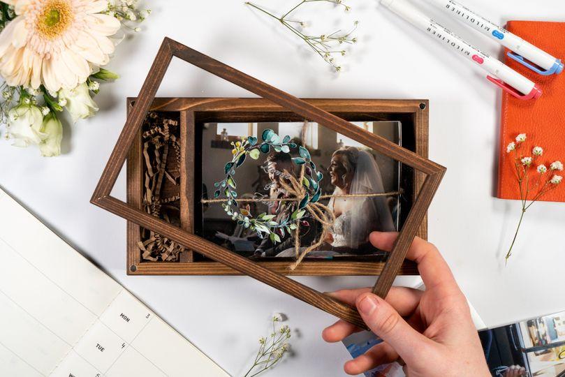 Complementary wedding box