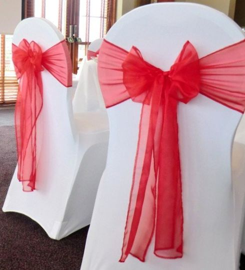 red organza sash on white lycra chair covers