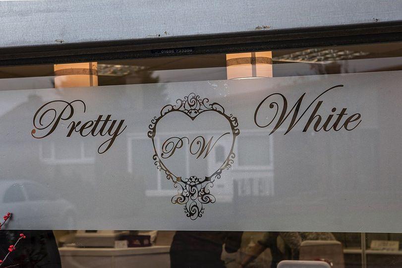 Pretty White Store
