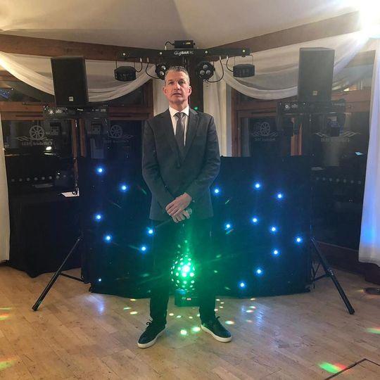 music and djs jnj entertai 20190528101512376