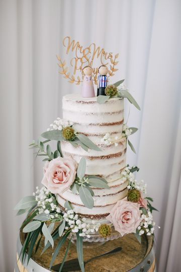 Naked Wedding Cake example