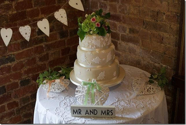 Embossed lace wedding cake