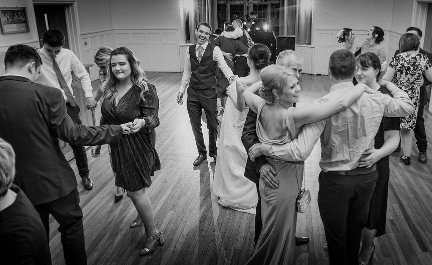 Priodasau Neuadd Hugh Owen Hall Weddings 59