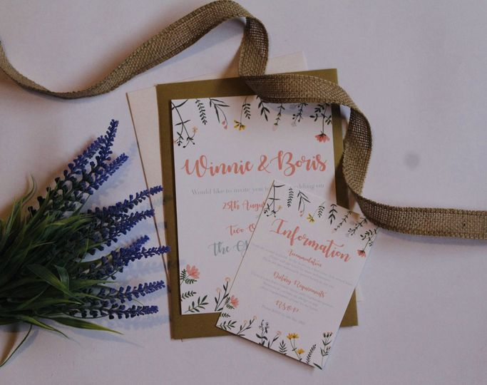 Bright and floral stationary