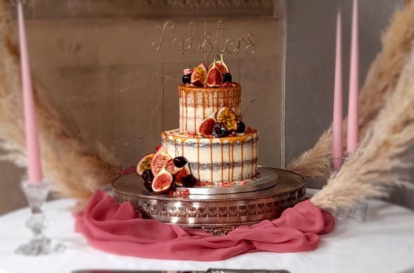 caramel drip weddinf cake 2 4 268019 160163397364694