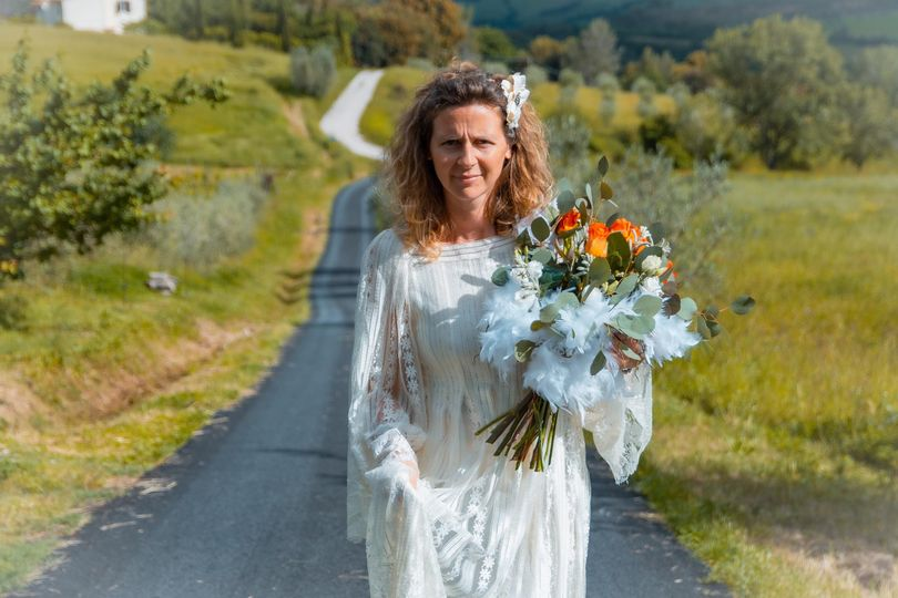 Bride in peaceful Tuscany
