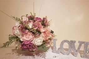 Love Blooms Wedding & Event Services