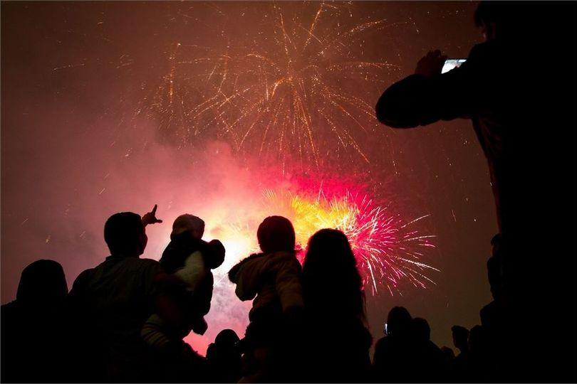 Entertainment Phenomenal Fireworks 3